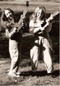 two-girls-two-ukes